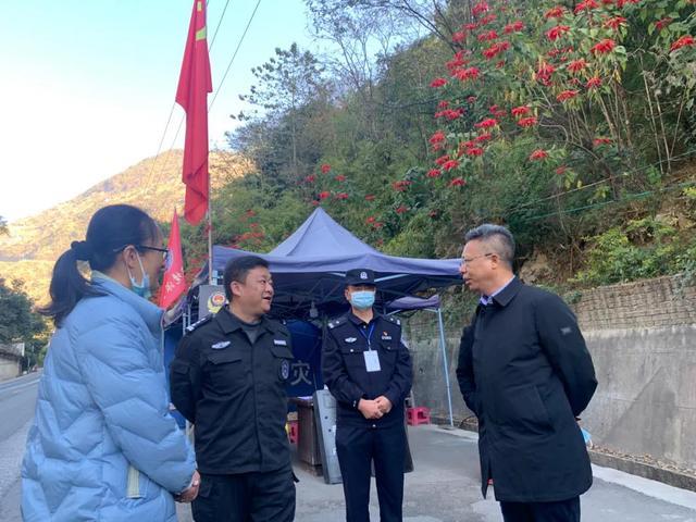 李文辉到福贡县调研指导边境疫情防控工作1.jpg