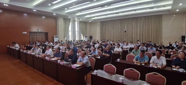 我州组织收听收看云南省领导干部时代前沿知识讲座第125讲2.jpg