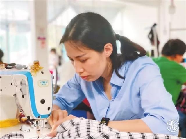 李淑靓:实现创业初心带动乡亲就业1.webp.jpg