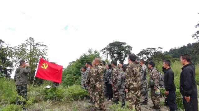 鲁掌镇:党政警民联合巡逻 筑牢边境疫情防线
