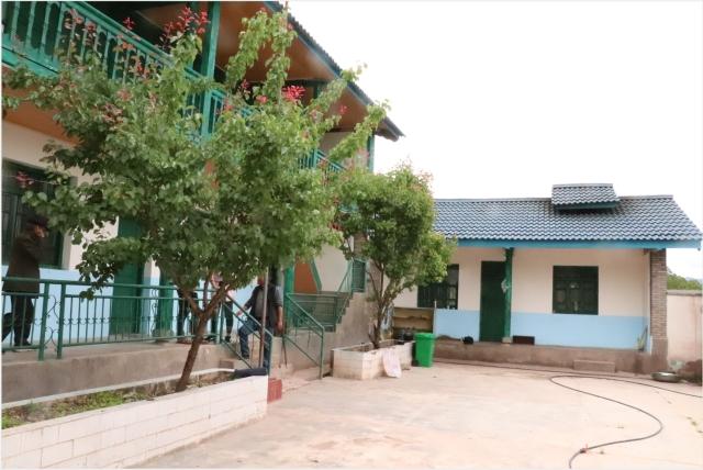 """河西乡:产业设施用房""""温馨家园""""助力易地扶贫搬迁群众返村创业1.png"""